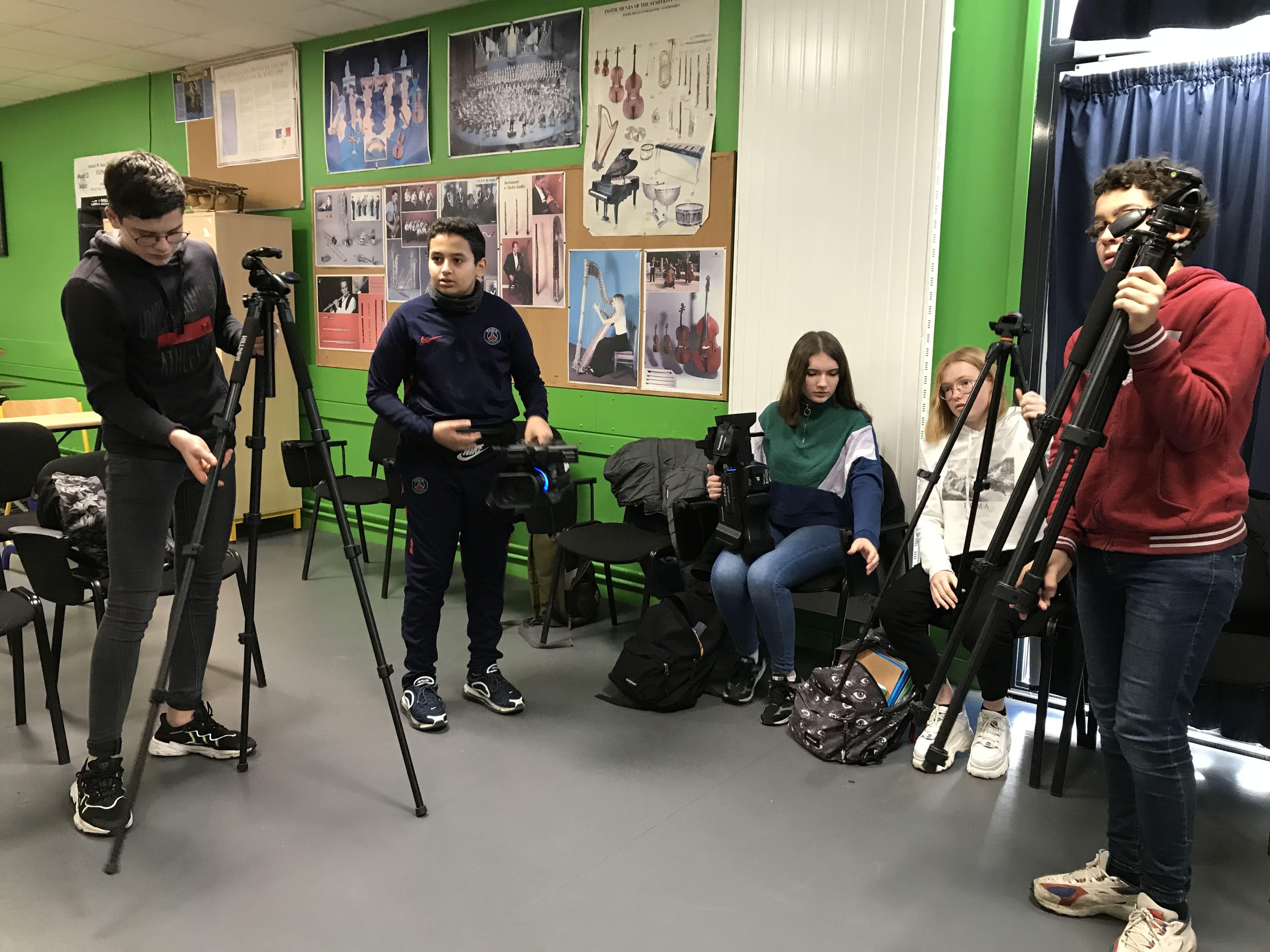 Marius, Younès, Anèle, Lo-Ann et Noah apprivoisent les caméras